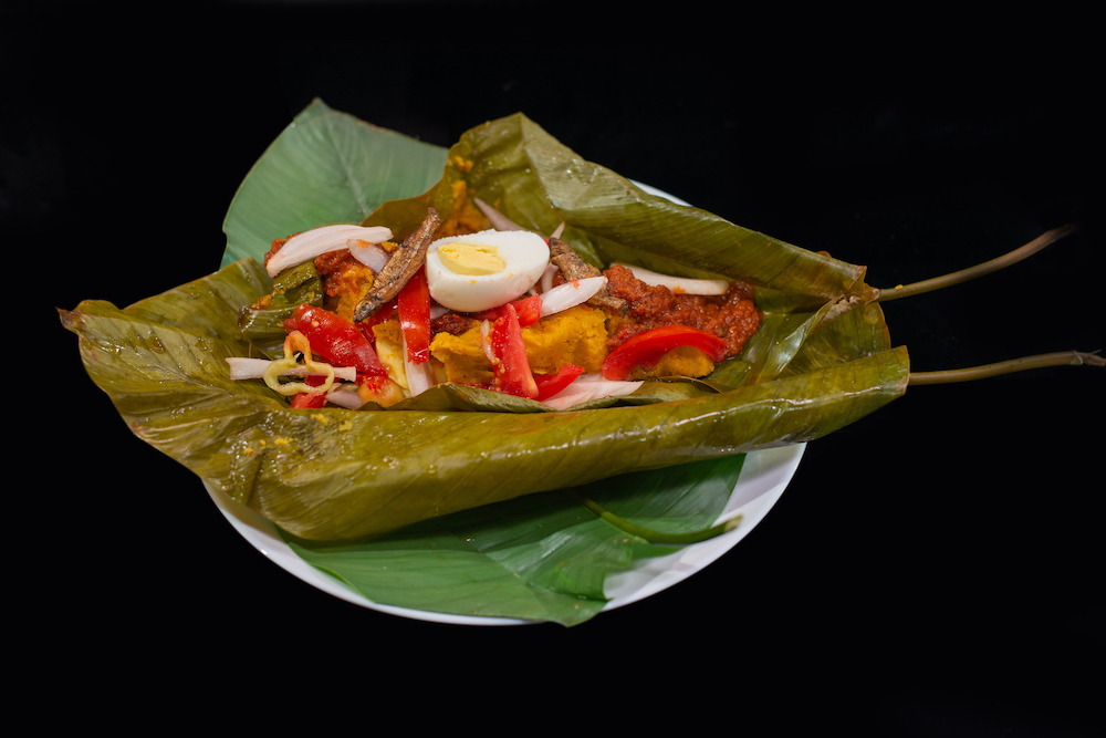 Découvrez le Alele préparé par la Chef Olivia de Souza du Togo dans votre émission Recettes d'Afrique